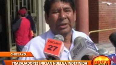 400 trabajadores administrativos entraron en huelga indefinida.