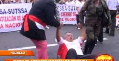Los trabajadores de la FENUTSSA protestaron