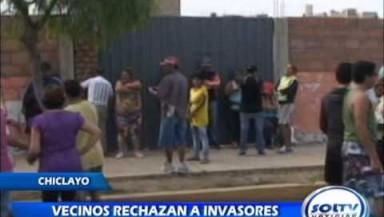 Moradores de la urbanización la Florida denunciaron que estarían invadiendo su local institucional